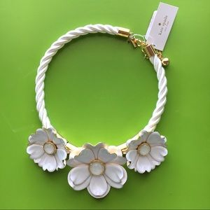 Kate spade bright blossom white flower  necklace